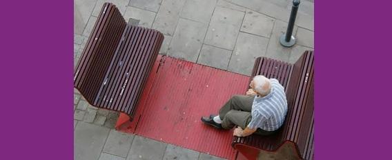 La solitude et l'isolement des personnes âgées : un phénomène préoccupant