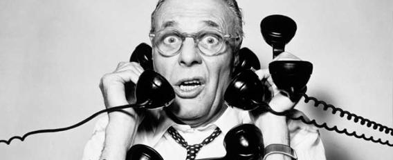 Senior assailli par quatre téléphones