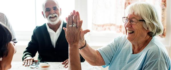 seniors-s'occuepr-et-faire-des-rencontres
