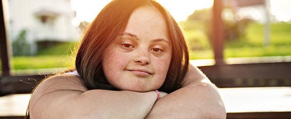 Jeune fille atteinte de trisomie 21